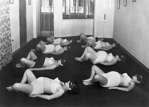 Women in ante-natal classes exercising. Grantly Dick-Read / Wellcome Images