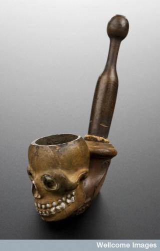 Clay tobacco pipe, France.