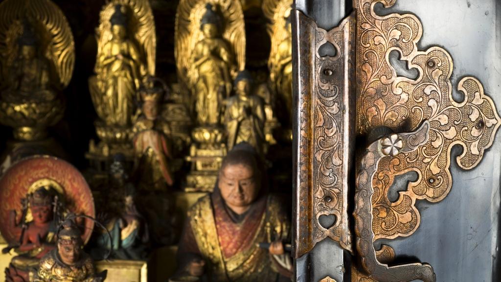 Buddhist-Shrine