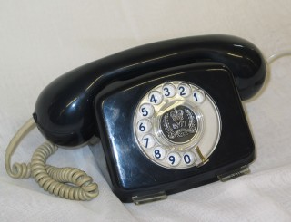 Telephone, part of the Geffrye Museum's handling collection. (© Geffrye Museum of the Home)
