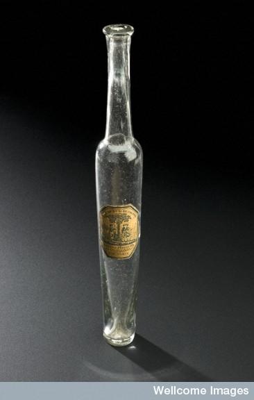 L0057441 Glass bottle for eau de cologne, Paris, France, 1780-1850