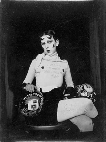claude_cahun_autoportrait_1927