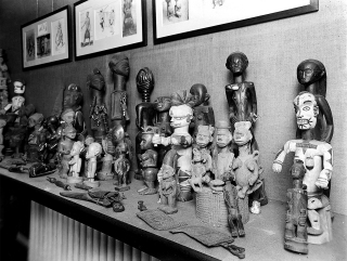 Figures with symptoms of tropical diseases in the 'Hall of Primitive Medicine', Wellcome Historical Medical Museum.